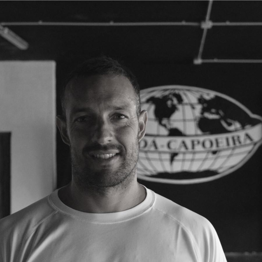 instructor-surfista-abada-capoeira-las-palmas-bn